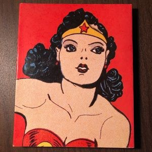 Wonder Woman The Complete History by Les Daniels